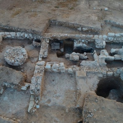 Hallan en Israel un taller de fabricación de jabón de hace mil 200 años