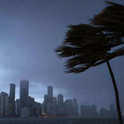 Trump aprueba declaración de emergencia para costa de Florida por 'Isaías'