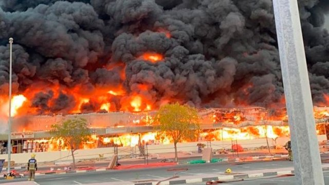incendio en mercado de emiratos arabes