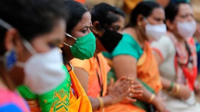 India anuncia que está probando tres posibles vacunas para la COVID-19