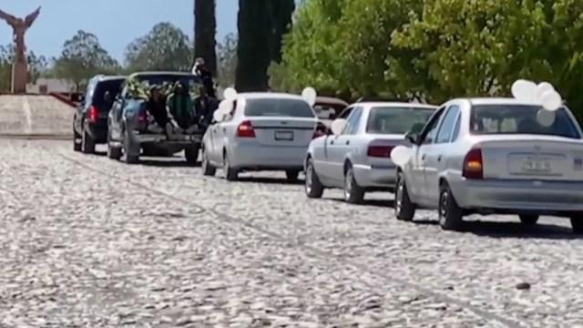 Despiden a la niña Lluvia Estefanía, arrastrada por un arroyo tras el paso de 'Hanna', en Coahuila