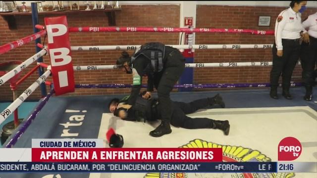 Policías de la CDMX toman cursos de defensa personal