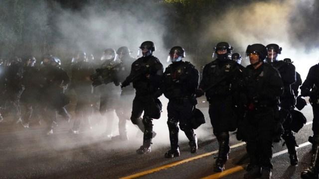 Protestas en Portland dejan 24 detenidos y un agente herido