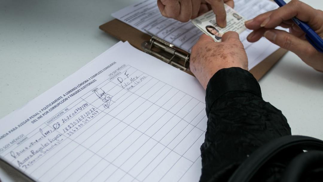 Recolectan firmas consulta juicio a expresidentes