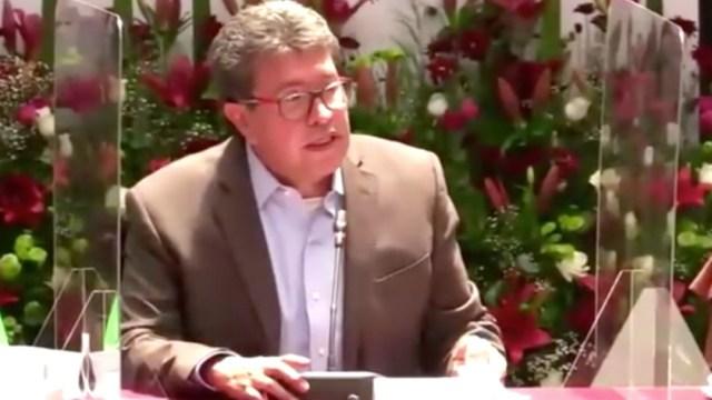 Senadores de Morena compran cachitos para la rifa del valor avión presidencial
