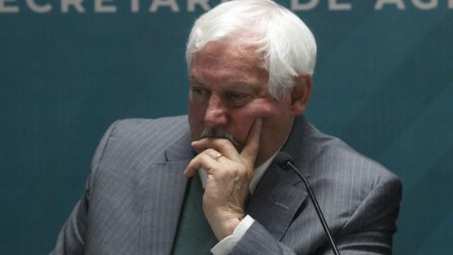 Víctor Villalobos Arámbula, secretario de Agricultura, da positivo a COVID-19