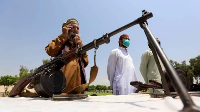 Los grupos talibán habían puesto un alto al fuego que habría terminado hoy con un ataque a una prisión al este de Afganistán. El grupo negó la autoría del ataque