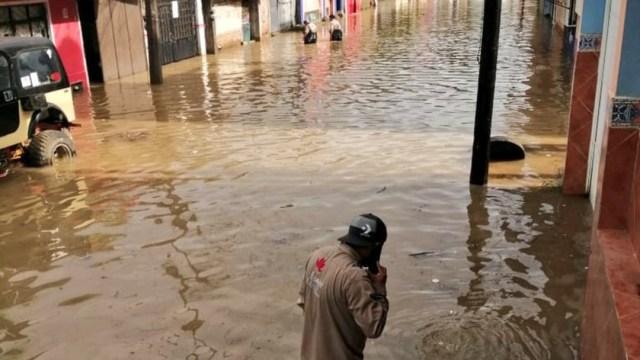 Tormenta en Xalapa, Veracruz, inunda calles y avenidas