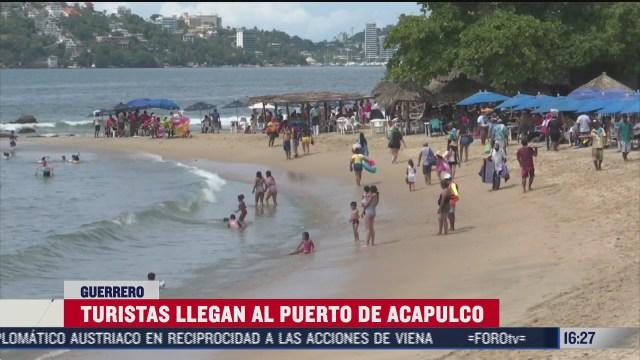 turistas llegan al puerto de acapulco bajo nueva normalidad