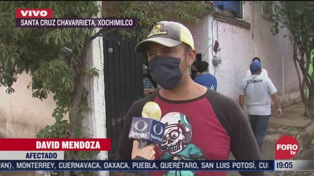 Un vecino narra cómo un deslave afectó sus hogares en la colonia Alcanfores, alcaldía Xochimilco tras el dsbordamiento del rio santiaguito