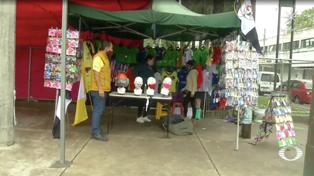 Ausencia de aficionados en estadios de futbol por coronavirus afecta economía de familias