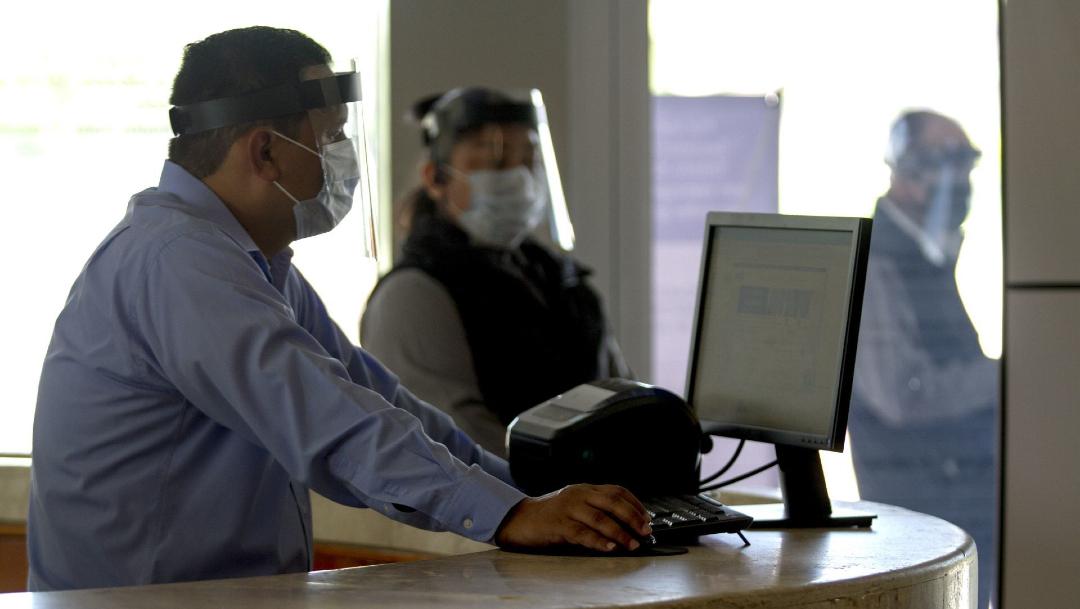 Burócratas regresarán a oficinas hasta 2021 por COVID-19 – Noticieros  Televisa