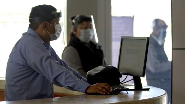 Burócratas regresarán a oficinas hasta enero de 2021 por COVID-19: SFP