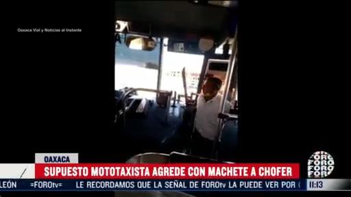 con machete en mano mototaxista ataca a chofer de camion de pasajeros
