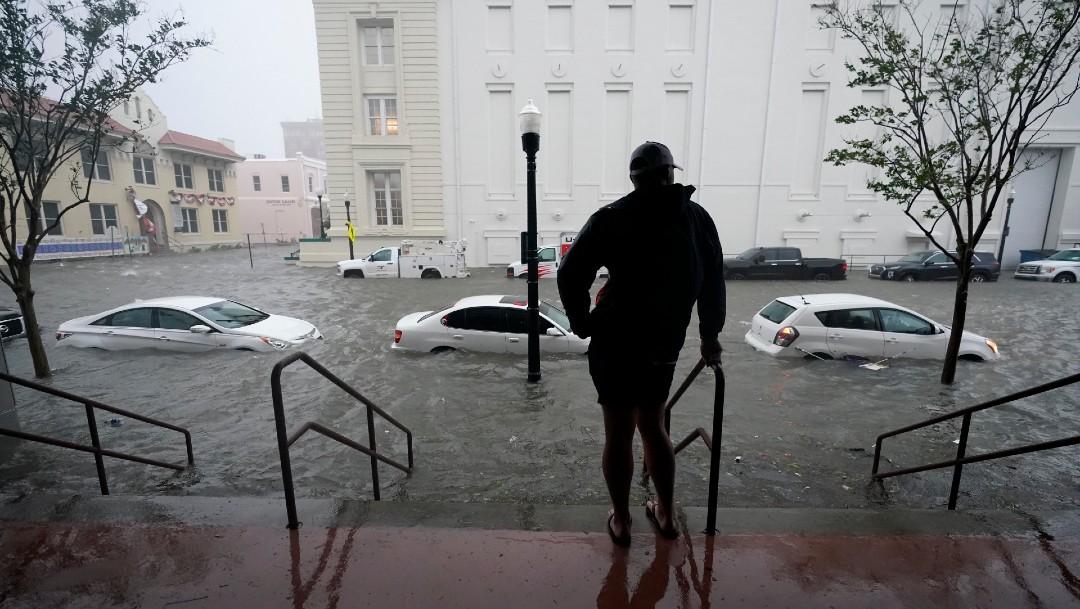 El huracán 'Sally' deja un muerto; rescatan a cientos de personas