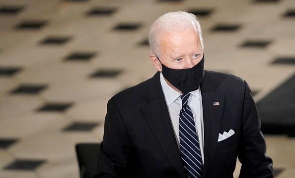 """Biden asegura que su campaña está """"haciéndolo bien con los votantes hispanos"""" (Getty Images, archivo)"""