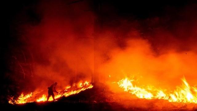 Incendio-forestal-en-California-amenaza a-más-de-mil-viviendas