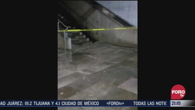 lluvia provoca cascadas en estacion zapata del metro cdmx