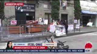 manifestantes protestan frente a oficinas de la cndh