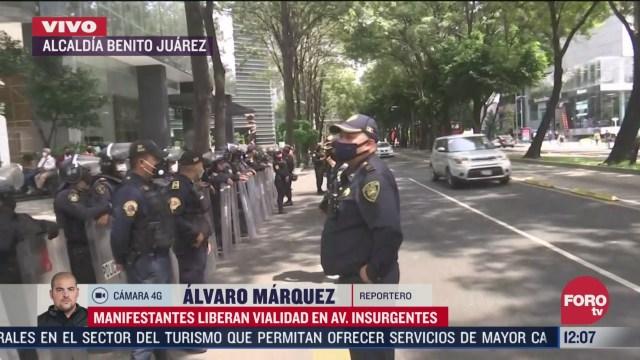 manifestantes reabren circulacion en avenida insurgentes en la cdmx