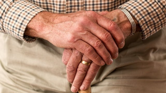 Maltrato a adultos mayores será castigado en Edomex