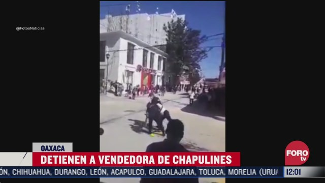 policias retiran con violencia a vendedora en oaxaca
