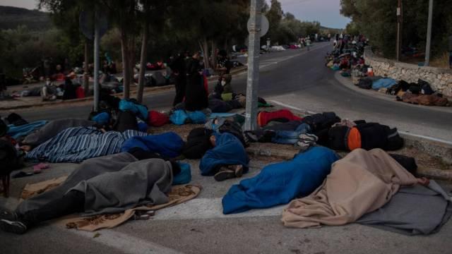 El secretario general de la ONU, Antonio Guterres, pidió a la Unión Europea solidaridad con los migrantes del campamento de Moria en la isla griega de Lesbos