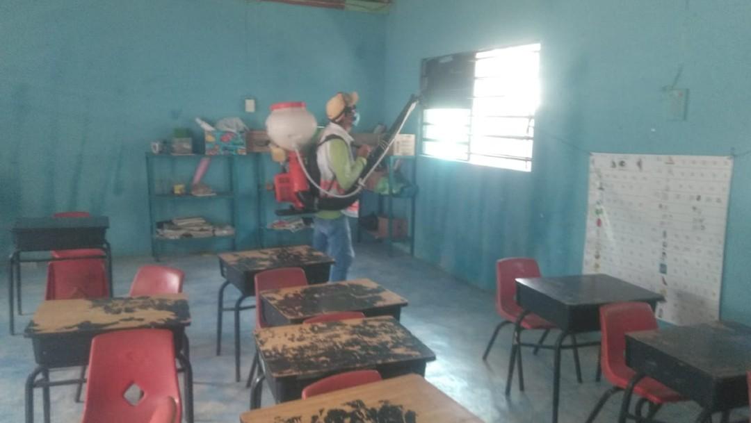 Reportan 78 personas intoxicadas en Tecpatán, Chiapas, tras fumigación contra dengue