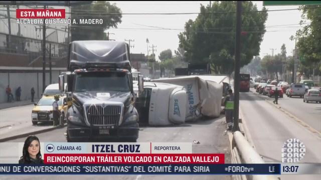 retiran trailer volcado en vallejo
