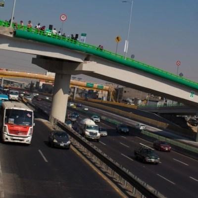 Senado prohíbe a conductores hablar por teléfono en carreteras de todo México