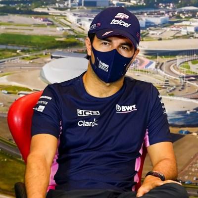 El piloto mexicano de Fórmula 1 Sergio Pérez antes del Gran Premio de Rusia