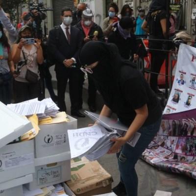 Madres de víctimas y feministas rechazan diálogo con CNDH; Rosario Piedra lamenta destrucción de expedientes