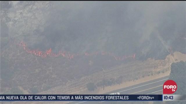 tres incendios forestales se propagan con rapidez en california
