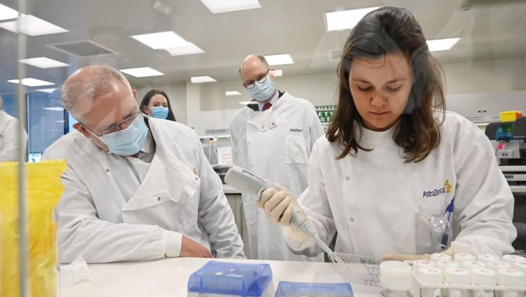El diario The New York Times asegura que una segunda voluntaria de la vacuna de AstraZeneca desarrolló mielitis; la farmacéutica asegura no hay evidencia contundente