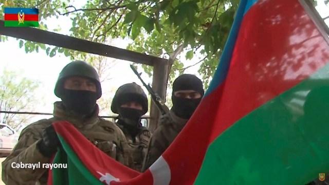 Armenia y Azerbaiyán se acusan de violar el cese el fuego.