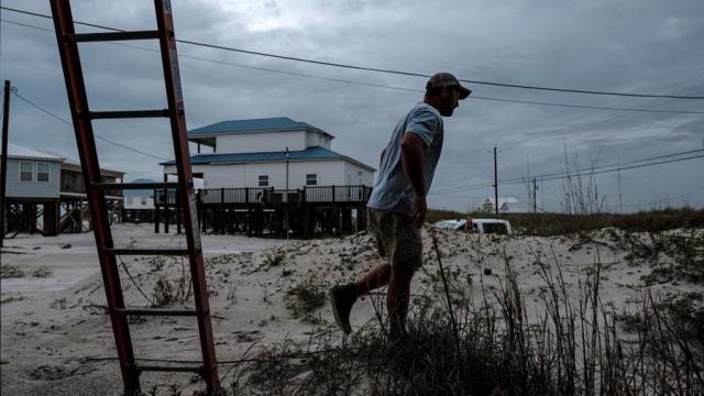 Huracán-Zeta-provoca-inundaciones-y-apagones-en-Luisiana