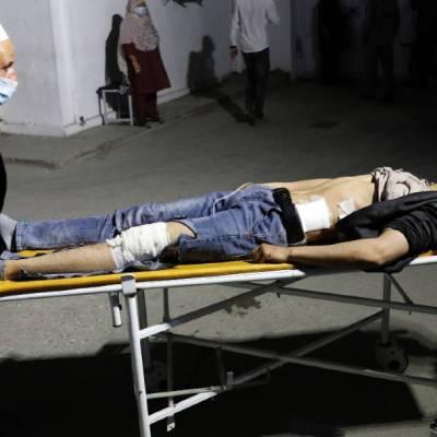 Un ataque suicida cerca de una escuela en Kabul, Afganistán, dejó un saldo de al menos 10 muertos