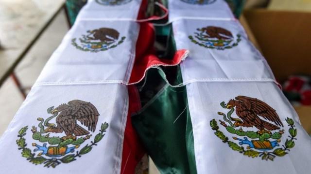 Amenazan-a-familia-en-EEUU-por-enarbolar-bandera-mexicana