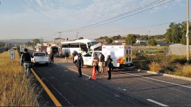 Choque-entre-autobús-y-camioneta-deja-dos-muertos-en-Hidalgo