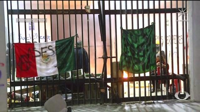 encapuchados toman instalaciones del colegio de bachilleres 9 plantel aragon