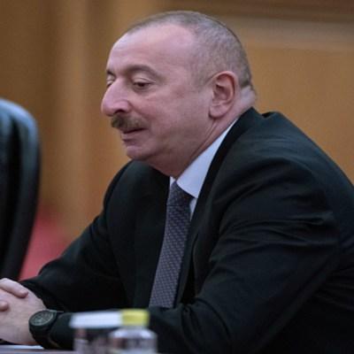 Azerbaiyán condiciona cese de fuego a retirada de ejercito Armenio de Nagorno Karabaj
