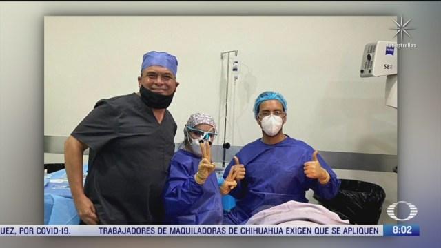 grupo de medicos atiende a mujeres atacadas con acido