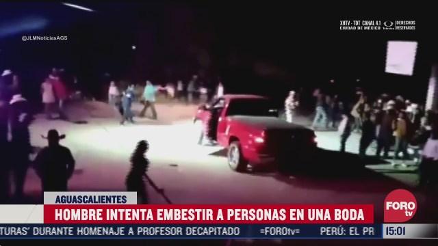hombre irrumpe con su camioneta en boda y trata de embestir a los invitados