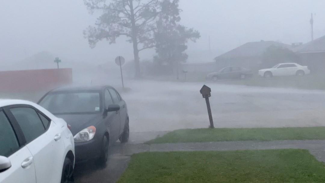 Huracán Zeta se debilita a tormenta tropical sobre Alabama y su paso deja un muerto