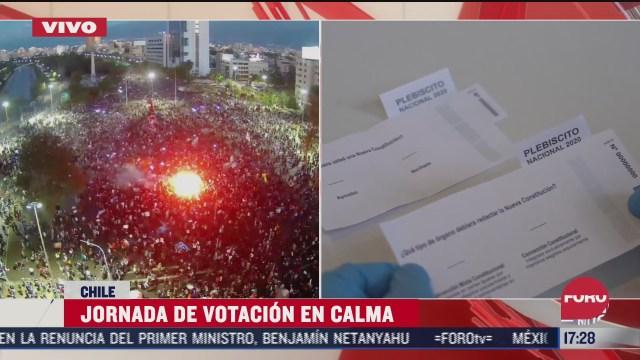 inicia conteo de votos por plebiscito constitucional en chile