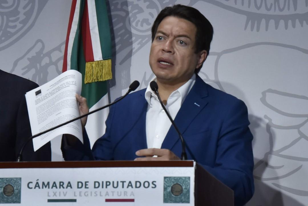 Mario Delgado presenta iniciativa para regular venta y consumo de marihuana