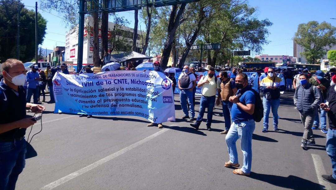Normalistas marchan en Chiapas, Oaxaca y Michoacán por movimiento estudiantil del 68