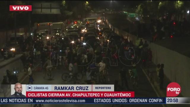ciclistas bloquean av chapultepec y cuauhtemoc cdmx