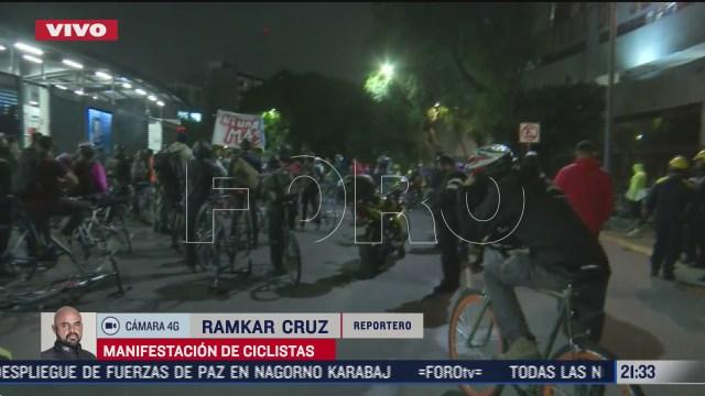 continua protesta de ciclistas en glorieta de los insurgentes