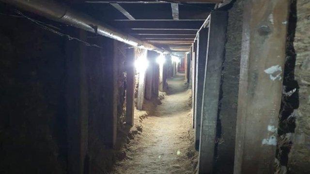 Delincuentes construyen túnel para robar bóveda de empresa de valores en Celaya